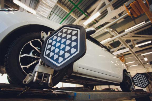 Laser reflector on tires